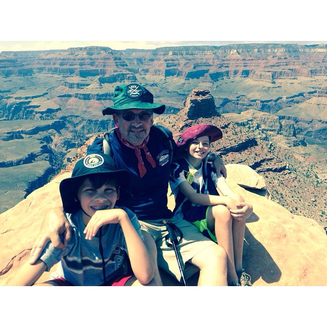 Family Travels, the little bros and pops rocking fresh bucket hats at the canyon | #stayoutside #stzlife #exploremore #grandcanyon #buckethat #adventure