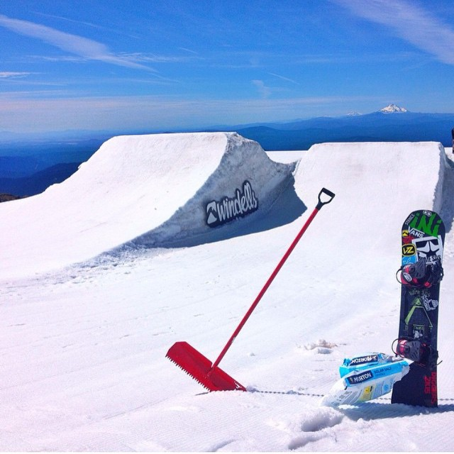 #Windells is officially open for the summer! #Diggers15 have ensured that the park is primed and ready for Session 1 madness. #Regram from @minnesnowtafrost | @windellscamp @romesnowboards | #FunnestPlaceOnEarth #MtHood