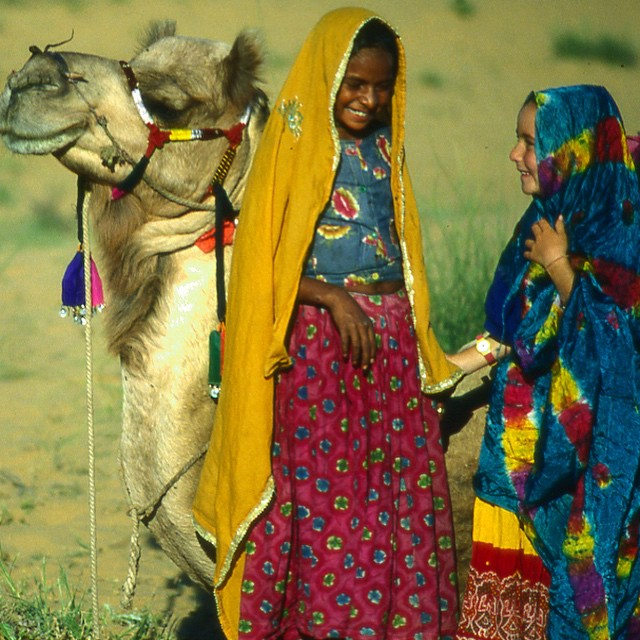 When I was about 7 we set off on a month long camel safari across the Rajasthan desert ☀️