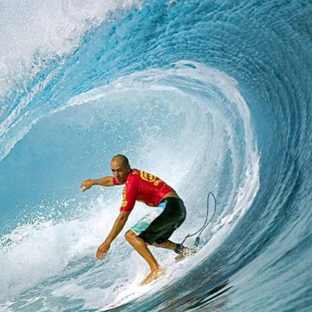 Happy #internationalsurfingday! @kellyslater #kellyslater #surf #surfer #surfing #surfsup #surflife #surfstyle #hangten #swell #barrel #prosurfer #ocean #waves #water #icon #champion #summer #success #surfboard #rideawave #catchawave #stoked #stokedorg...