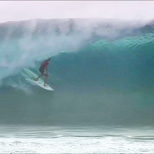 It's International Surfing Day! Go have fun. Frame Grab- Fiji Pro Owen Wright getting all mental case. #uluLAGOON #surf #fiji #cloudbreak #alltime #10s #winning #surfshops #internationalsurfingday