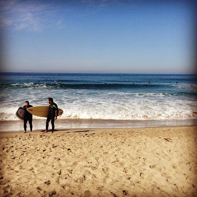 Happy International Surfing Day!  #ISD #ridegiantskoonu #waapaaa