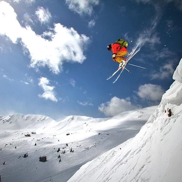Eben Mond, aka @plumetunes, airs it out over @lovelandskiarea. @flylowgear @rossignol @scarpana #bigair #ski  #skiing