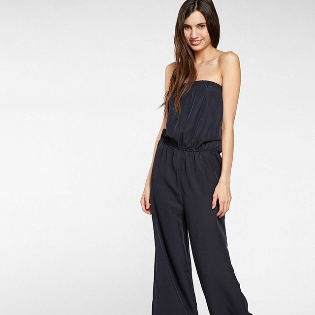 Summer Saturdays are a thing of beauty, especially in the Riley Jumpsuit. #saturday #style #saturdaynight #jumpsuit #sustainable #fashion
