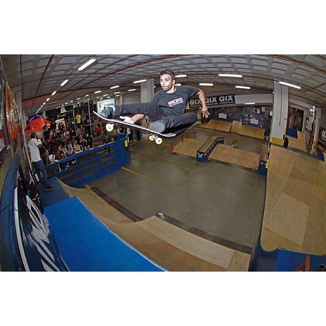 @allanmesquitta Stale Fish durante a demo no segundo campeonato de skate Floripa Shopping.
