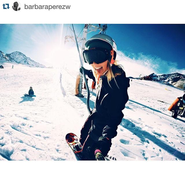 #Repost @barbaraperezw with @repostapp. ・・・ Empezó la temporada de nieve y qué mejor que arrancarlo con un @underwavebrand beanie, encargalo en www.underwavebrand.com #Snow #FeelIt #Underwave