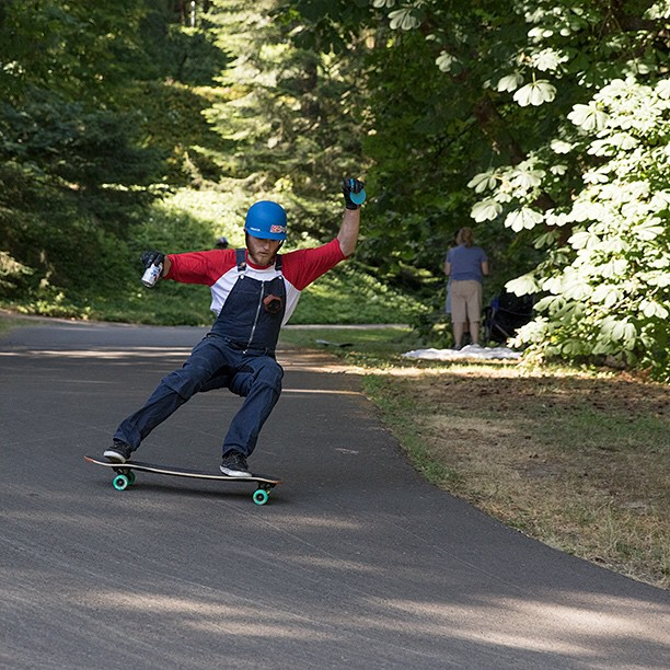 Not one drop of @camdownhill beverage was spilt during this run at the demo with @daddiesboardshop last Saturday. Videos and more photos from @equalmotion on the way! #switchbacks #portland #pdx #longboard #longboarding #longboarder #dblongboards...