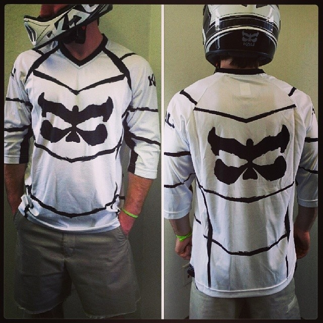 Chada Web jerseys are in! #kaliprotectives #kalipro #kali #bike #dh #downhill #jersey @damien_grulick