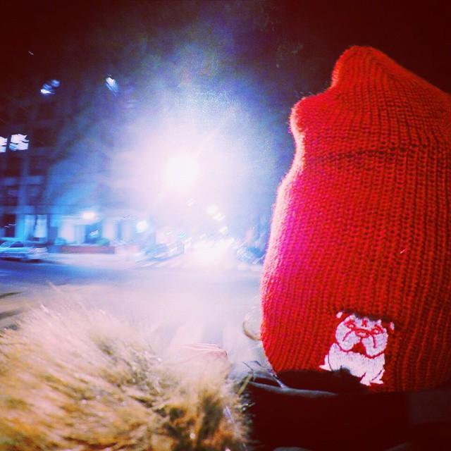 Transitando las noches porteñas! Aprovecha el frio y comprate un beanie de Ugly Kooky ! ❄⛄ Dale que se acabaan!  No esperes mas y sumate al #UglyKookyTeam