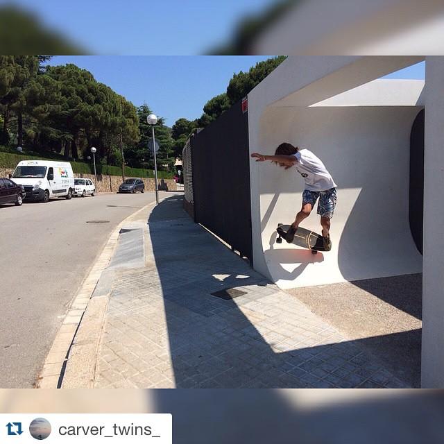 #Repost @carver_twins_ with @repostapp. ・・・ Bcn spots #spot #longboard #skate #carver #instapic