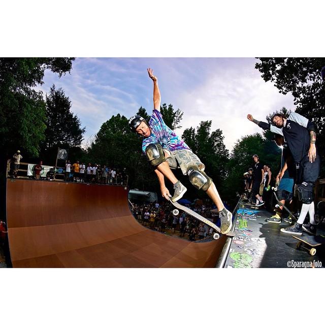 Rad photo from @sparagram of Bob Umbel at #map5 last weekend . Bob wears the S1 Lifer Helmet. #skatehelmet #s1helmets #s1lifer #bobumbel #radphoto  #s1liferhelmet #skateboarding #trustedbythepros  #skatevert #mikeapoolaza @vertskateboarding