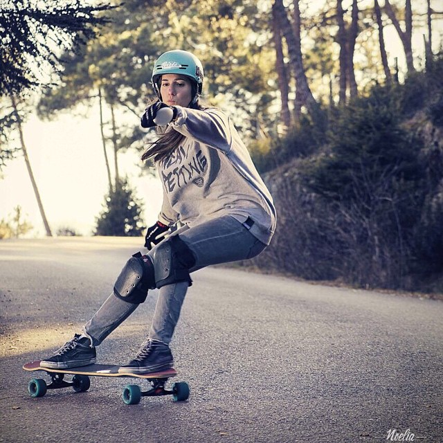 Happy bday to the lady behind Longboard Girls Crew, @valeriakechichian.  Working relentlessly supporting, promoting & trying to achieve real gender equality for women.  @noelia_otegui photo.  #longboardgirlscrew #womensupportingwomen #valeriakechichian...