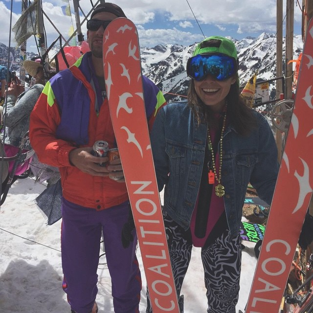 Stoked on a little #gaper throwback! @aydollarsign flaunts some great style (and skis ☺️). || #virtualhighfive tour continues with a shout out to @lauriekbrown, @claire_mcn, @xzjiao, @dstiffler; you guys rock and we couldn't keep the dream going...