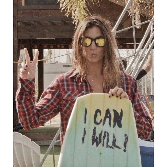 @sofygrimauu  feliz con su nueva tabla! #ICANIWILL ✌  #wakeskate #surf #wakeskating #wakeboarding #wakeboard #wakegirls #cablepark #cablewakepark #wakepark #riding #ride #actionsports #lake #lakelife #lifestyle #wakegirls