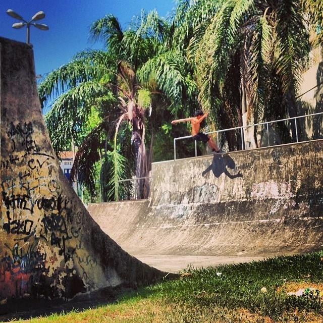 Re post de @dariomattarollo Frotside Smith Rustik en Rio!  #teamvans #skate #skateboarding #skatevans