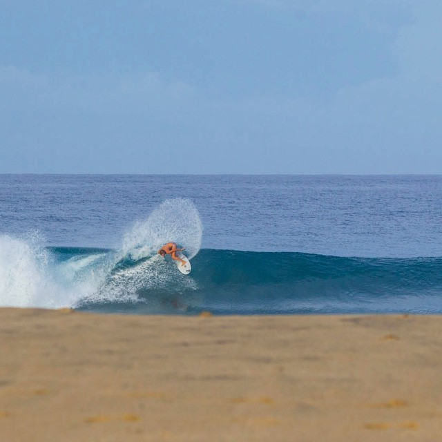 @stephaniegilmore ripping the top off in Mexico. #ROXYsurf  roxy.com/surf