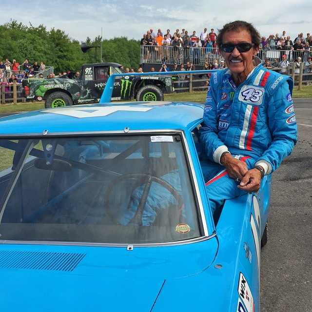 Saw the original number 43 driver at the top of the @FOSGoodwood hill: legendary NASCAR driver Richard Petty. He's wheeling his iconic Superbird out here all weekend. So rad! #FOS #43squad #bosspose #BJBaldwinphotobomb