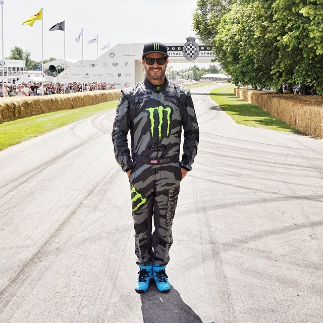Thanks for this fresh Hoonicorn-livery race suit, @alpinestars! Since Goodwood is an actual sanctioned hillclimb, I can't use what I wore during #GymkhanaSEVEN - I needed something a bit more fire resistant. Ha. So this is my new suit for doing...