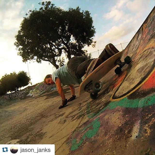 #Repost @jason_janks with @repostapp. ・・・ Bowls #carver #longboard #minisimmons #skateboarding #gopro