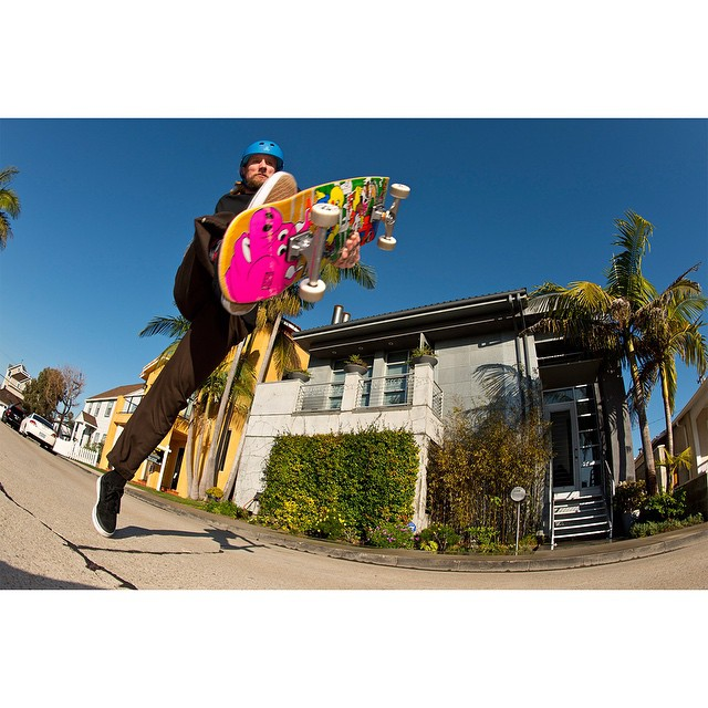 The 2015 #RealStreet Fan Favorite is @mikevallely!  Click the link on our profile page to check out his edit. (