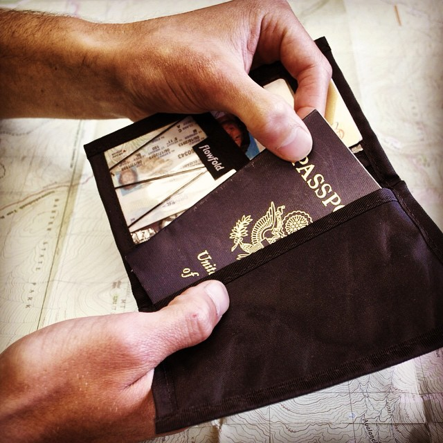 #Flowfold Navigator wallet in Jet Black. Where will it take you? ✈️⛵️