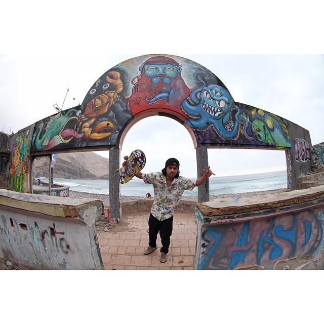 @brunokbelo_nata em Lima, Peru. #qixteam #qix #skate #skateboard #skateboarding #Lima #Peru #skateboardminhavida