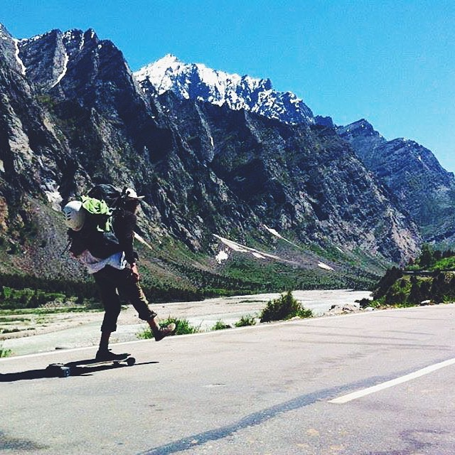 With the recent earthquakes in Nepal, LGC Canadian Ambassador @e_coree joined her team mates through their raddest adventure so far: pushing 500km through the Himalayas to support Oxfam in Nepal & its people.  Go to longboardgirlscrew.com to find out...