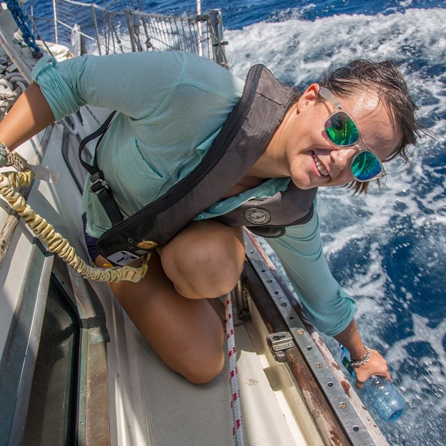 Jessica Newley (@svsilentsun) on board Silent Sun, her 37 foot sailboat, last month during a 34 day passage from Mexico to the #Marquesas islands in French Polynesia. This #ASCMicroplastics sample was taken as they passed the equator going 7...