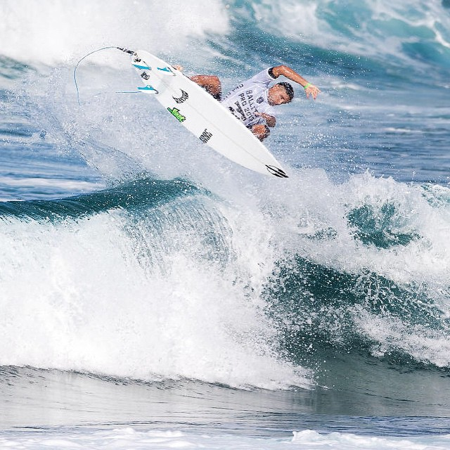 @michaelrodrigues79 blasting airs and scoring a 10 point ride during the QS 10,000 Ballito Pro in South Africa.