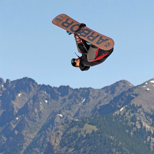 Want to watch excellent display of style in snowboarding? Follow @MikeEGray - he's rad to watch ride! Photo by: @chipproulx  #Snowboarding #WoodwardCopper #SummerCamp #SummerShred