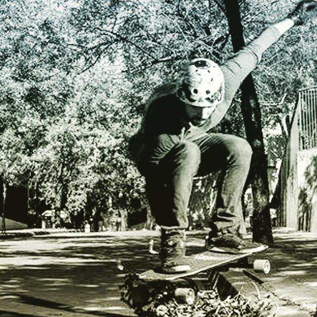 Encontrate con la noche, salí a andarxandar!!! #Longboard #longboarding #longboards #longboarder #longboardlife #longboarders #longboard4life #longboardlove #longboardsworld #longboardlifestyle #longboarddancing #longboardday #longboardcrew...