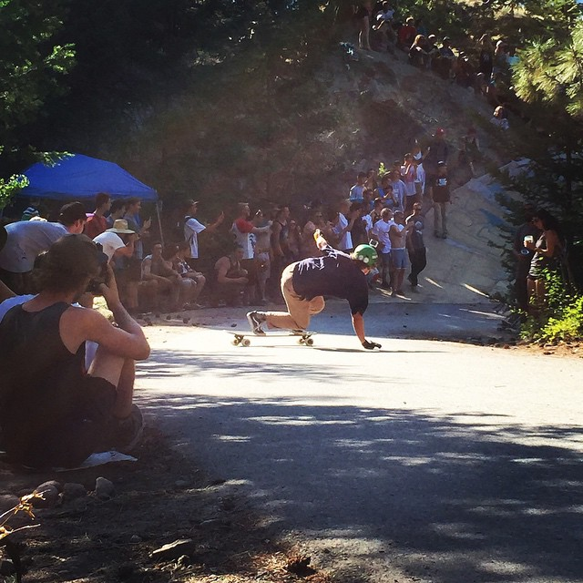 We out here! Enjoying the sun, skating and many many pinecones at #giantsheadfreeride #skate #longboarding