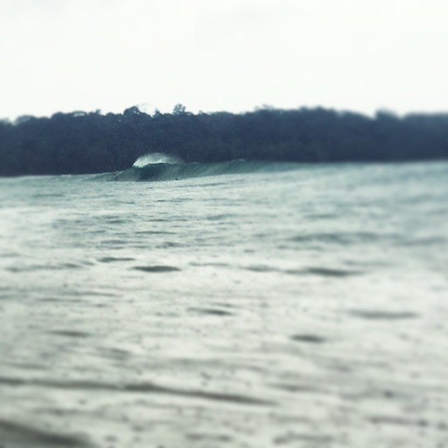 Day 3 #SeeainPanama ✔️ surfing in the rain