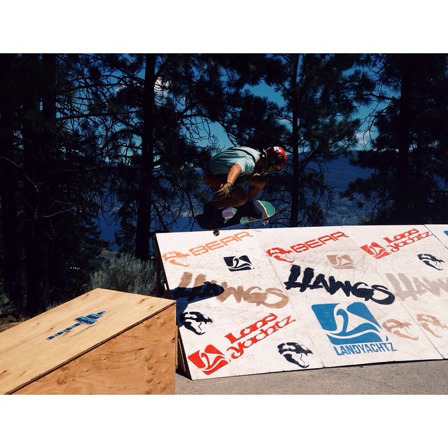 @nebulas_nakanelua boosting off the kicker to bank wall at #giantsheadfreeride today. photo @liam_lbdr_