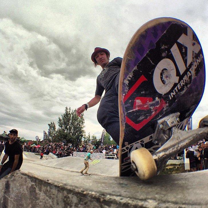 @luiznetosk8 durante o Grand Prix Beroun que rolou na República Tcheca. Luiz ficou na 6ª posição e teve escolhida a Best Trick do campeonato. #qixteam #qix #skate #skateboard #besttrick #grandprixberoun #skateboarding #skateboardminhavida