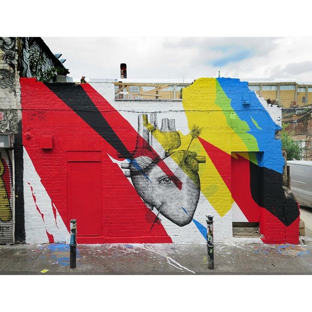 Por nuestro amigo @elianchali en colaboración con @alexis_diaz Londres, Inglaterra | #ArteVans