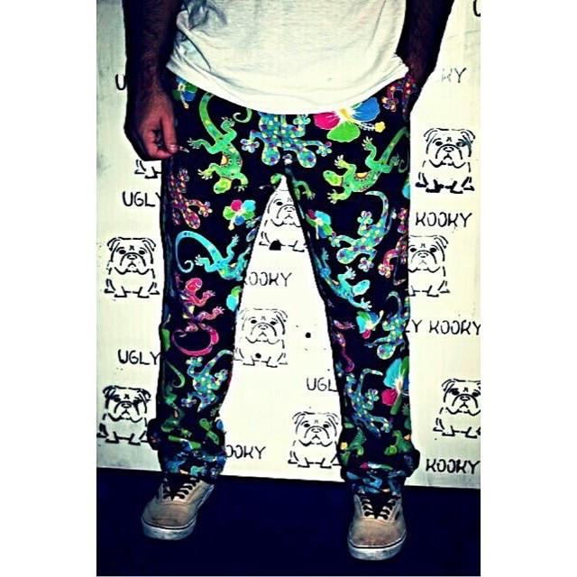 Cambia este dia frio por uno mas chill! Con los Ugly Pants #Tropical! Disponibles en todos los talles! Dale que quedan pocos!