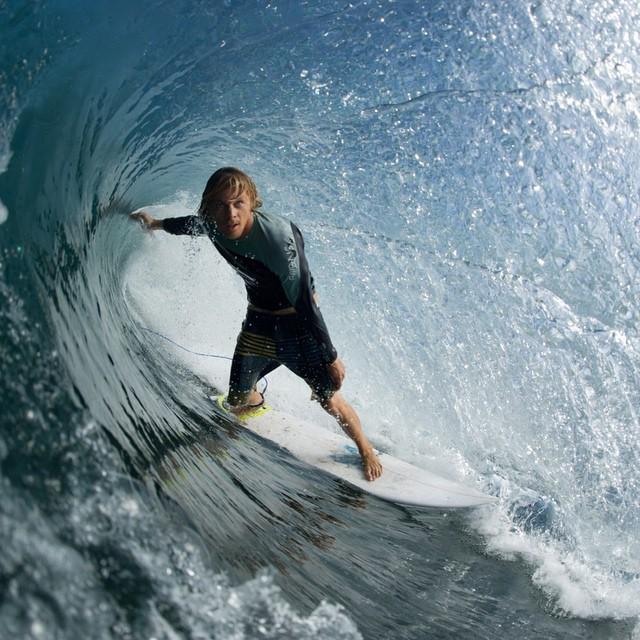 Tubing it with crew member @sea.nicaragua // Nicaragua // #disidual #saltwaterbandits #brokeandstoked #barrelled #surf #surfsup #disiduallivin #surfing #travel #offthebeatenpath @nectar  @instagood @disidual