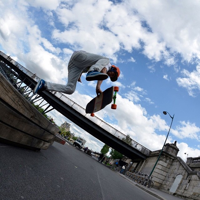 @laurent_perigault isn't afraid to jump up to get down! #paristrucks #paristruckco