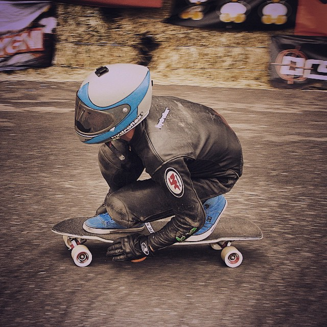 Sam Jones diving in at The Maryhill Festival of Speed. #timeshipracing #divinewheels #gloveyoulongtime #bigsmooth