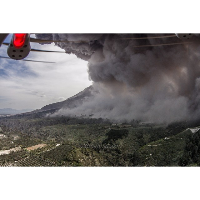 Please, it's just a volcano... @RhiannaLakin and her #DJI #Phantom from @skyrisimaging taking on the #mtSinabung in Sumatra.  #IamDJI #dronesaregood #AmeliaDroneharts