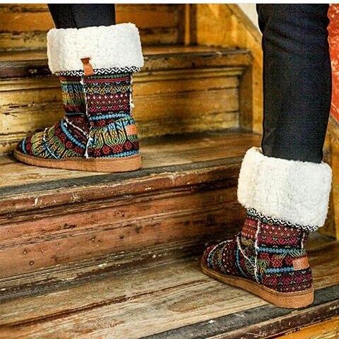Nada más calentito que nuestras botitas Confy para combatir este frío . Comodidad y estilo.
