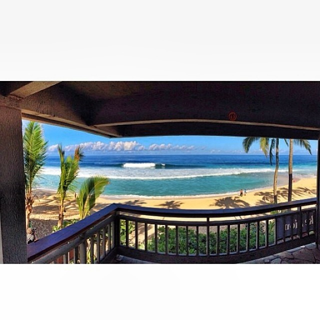 Inside Volcom Pipe House!! Que tengan un gran fin de semana! Sigan en vivo #volcompipepro www.volcompipepro.com #volcom #surf #hawaii #northshore #surf
