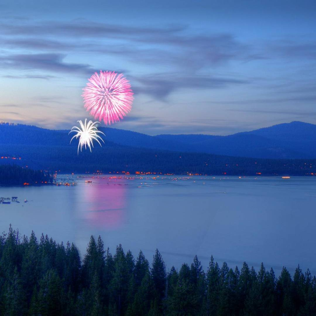 We can't wait to watch some #Tahoe fireworks from our favorite spot! Heres our #TahoeTopTen of what we think are the best places to celebrate our independence. Did we miss any of your faves? To see our detailed list visit California89.com/blog
