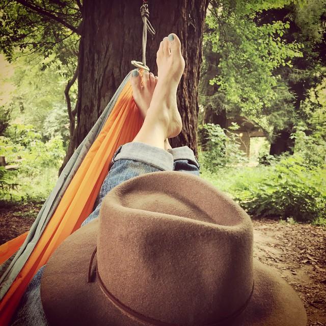 Hammock time is precious time #relax #weekendvibes #california #hammock #lategram