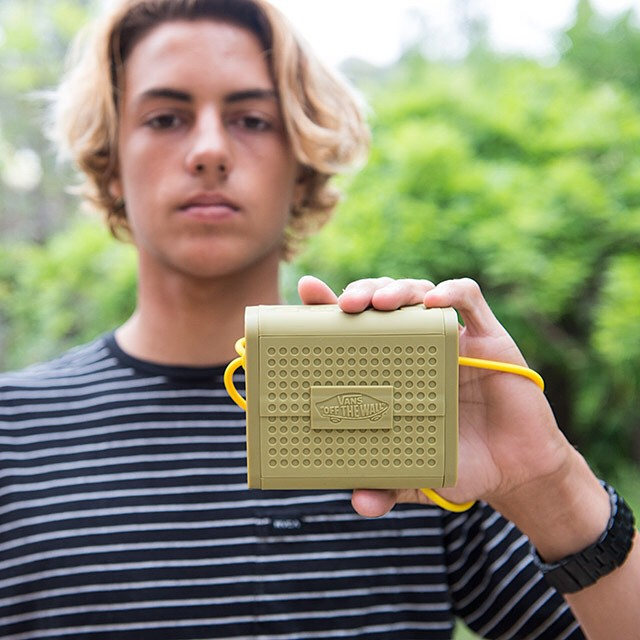 Now playing: @Vans x #Nixon @Currencaples mixtape. Good music for a great day. Listen now on Nixon.com/happenings.