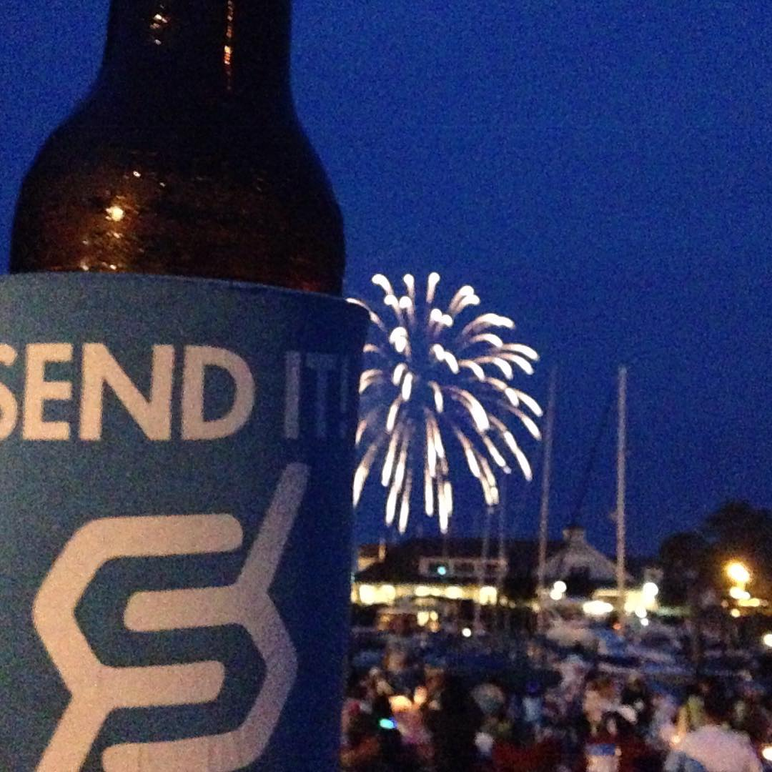 #fourthofjuly #JustSendIt #sonomafia @drausch1976 @kateemcneil #fireworks #merica