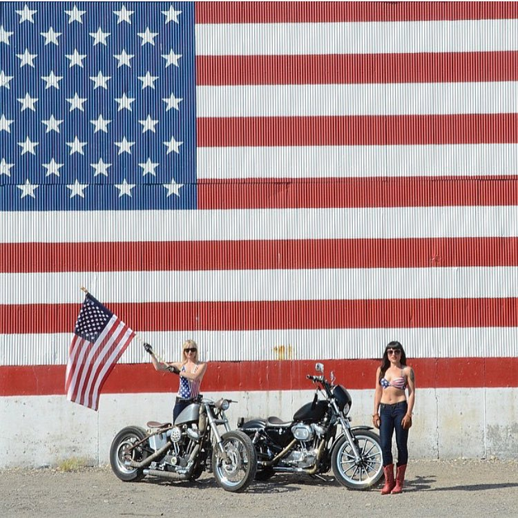 With these two flying the flag, we're pretty sure they could make anyone's 4th of July a Happy one. @ashannpow is the final #VonZipper Independence Day winner. We hope everyone had a fun and safe celebration!