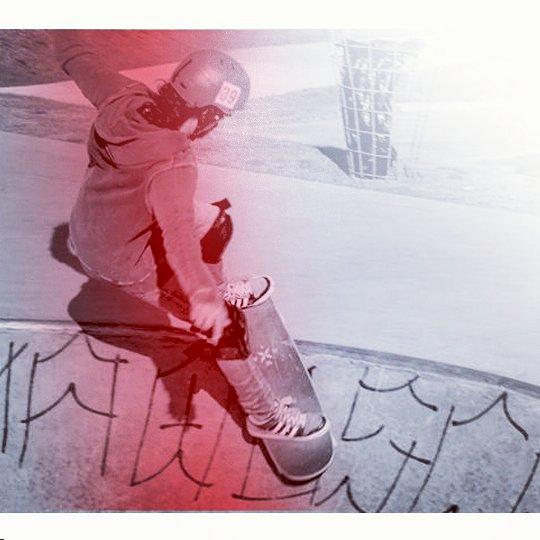 Ponerle color al Domingo! Vieja escuela y nuestro modelo DAGGER!  www.wikasport.com  #andarxandar !!! #Longboard #longboarding #longboards #longboarder #longboardlife #longboarders #longboard4life #longboardlove #longboardsworld #longboardlifestyle...