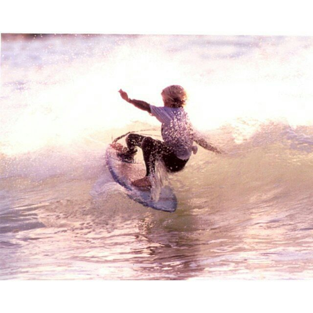 @leleusuna -  #TBT ley ley back in the beginning of my surfing times.